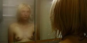 Elina-Brotherus,-Miroir,-2001,-video-still.-Courtesy-gb-agency,-Paris